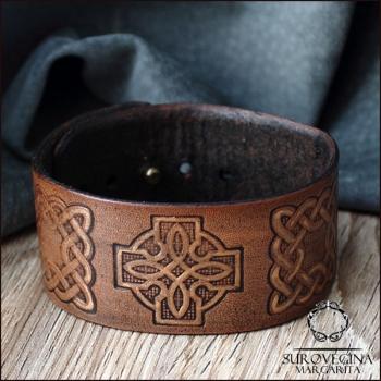 Браслет в кельтском стиле с крестом